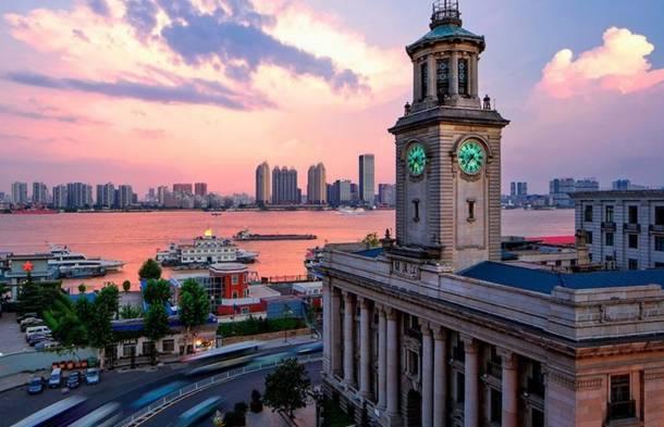 提升武汉设计双年展,举办市民创意设计大赛.图片